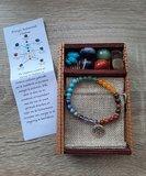 Chakra armband met Lotus bedel, inclusief Chakra natuurstenen