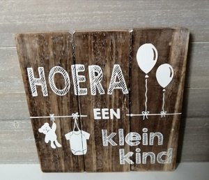 Hoera een kleinkind (houten bord)