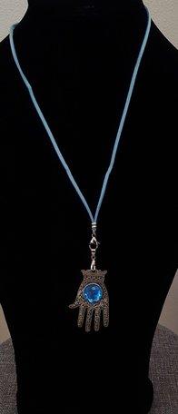 Ketting met Fatima hand/blauwe steen