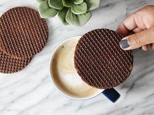 Heerlijke stroopwafel, chocolade