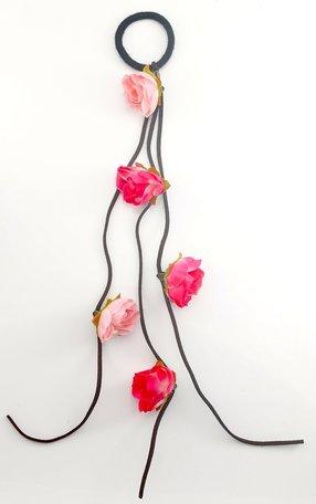 Haarelastiek met bloemen