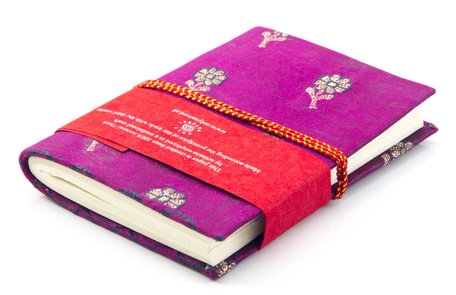 Boekje met sari kaft (donkerroze)
