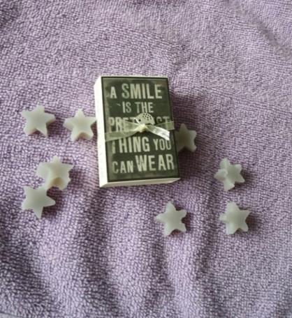 A smile is.... (doosje met zeepjes)