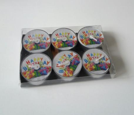 Happy birthday met cadeautjes waxinelichtjes
