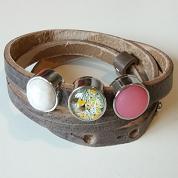 Bruine lederen armband met drie schuivers