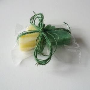 Zeep, haasjes (groen en geel)
