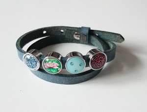 Grijsblauwe lederen armband met 4 schuivers