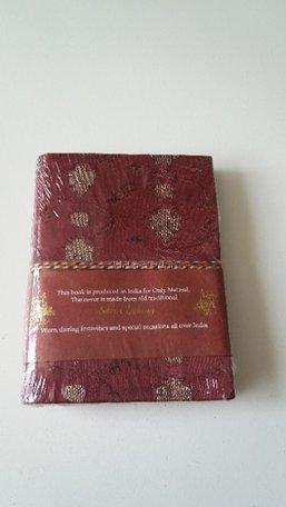 Boekje met koord (rood/bordeaux)