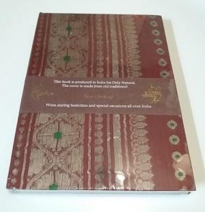 Boekje met sari kaft (bruin/rood)