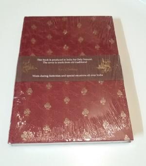Boekje met sari kaft (rood/bruin)