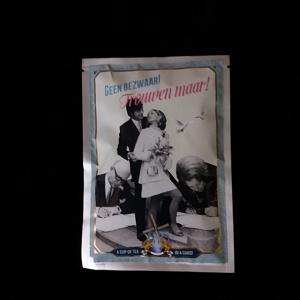 Postkaart met losse thee (trouwen)