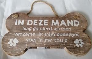 In deze mand..... houten bord