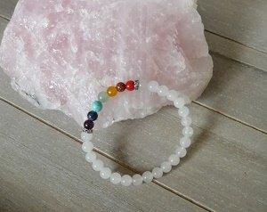Natuursteen armband, Witte Jade met 7 Chakra stenen