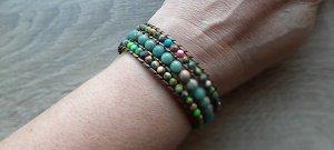 Natuursteen armband met bloemknoop sluiting