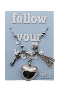Kaart met ketting Follow your heart ... (blauw)