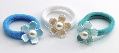 3 blauwe haarelastiekjes, met bloem