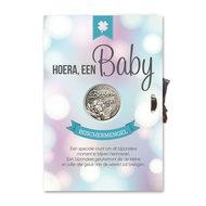 Hoera, een baby, kaart met geluksmunt
