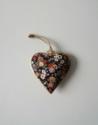 Metalen hart, zwart met bloemen